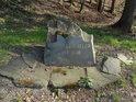 Rudoltovice – Rudelzau, 1394 – 1946. Pamětní kámen z roku 2000, zaniklá vesnice.