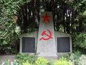 Sovětský svaz už není, ale sovětští vojáci položili své životy při závěrečných bojích 2. světové války na německém území ve Slezsku, které dnes patří Polsku.